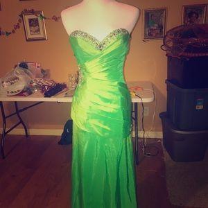 Long Apple Green Night Moves Homecoming Dress
